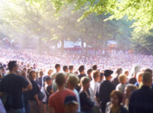 L'été annonce le retour des brocantes, bals et autres concerts ou festivals…  Quelles assurances pour ne pas déchanter ?