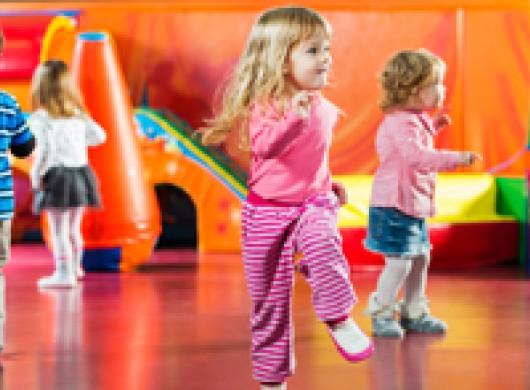 Camps de vacances, club de foot, stage de danse… comment votre enfant est-il assuré ?